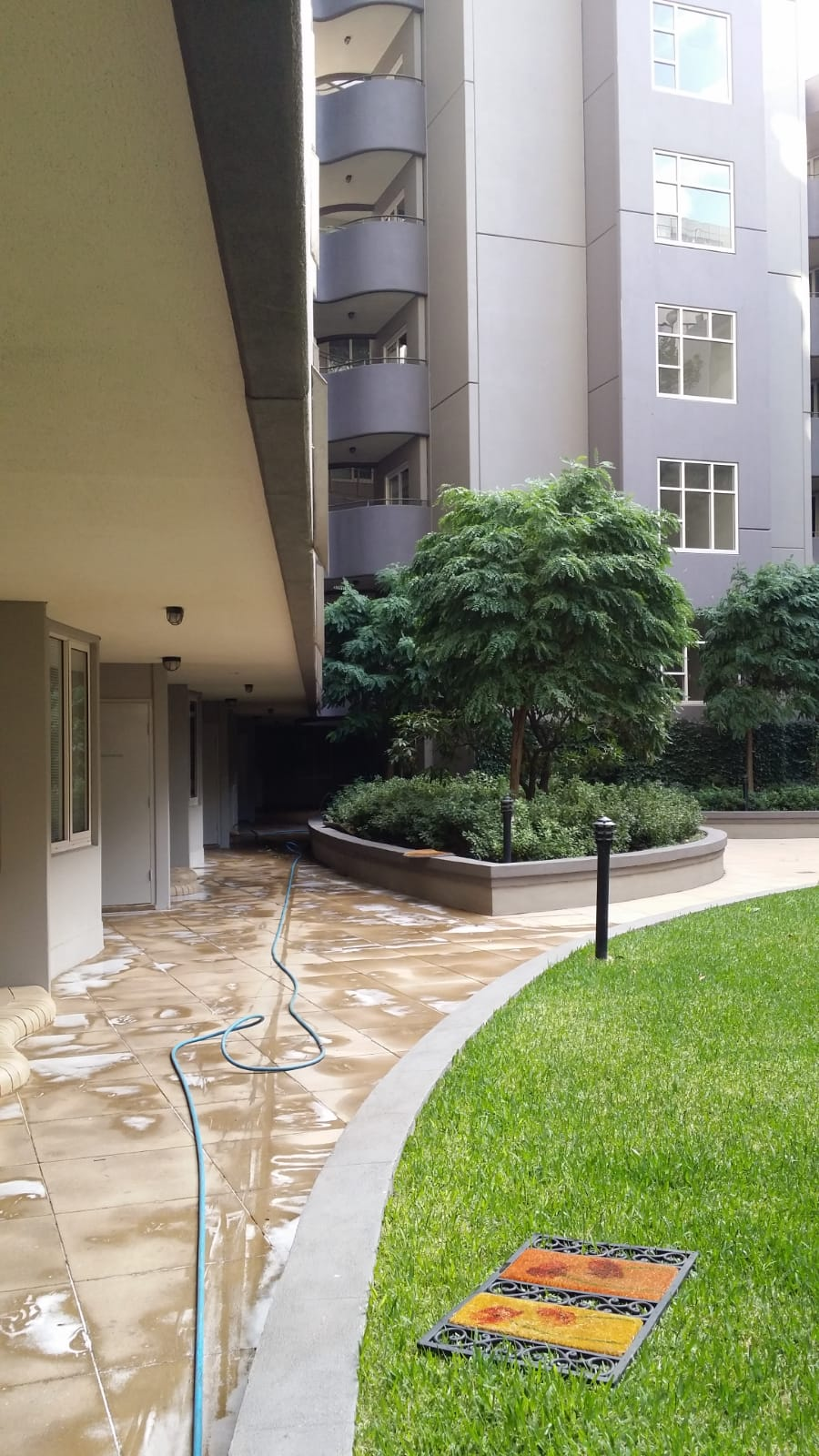 Brookside apartments pressure wash cleaning Queens rd