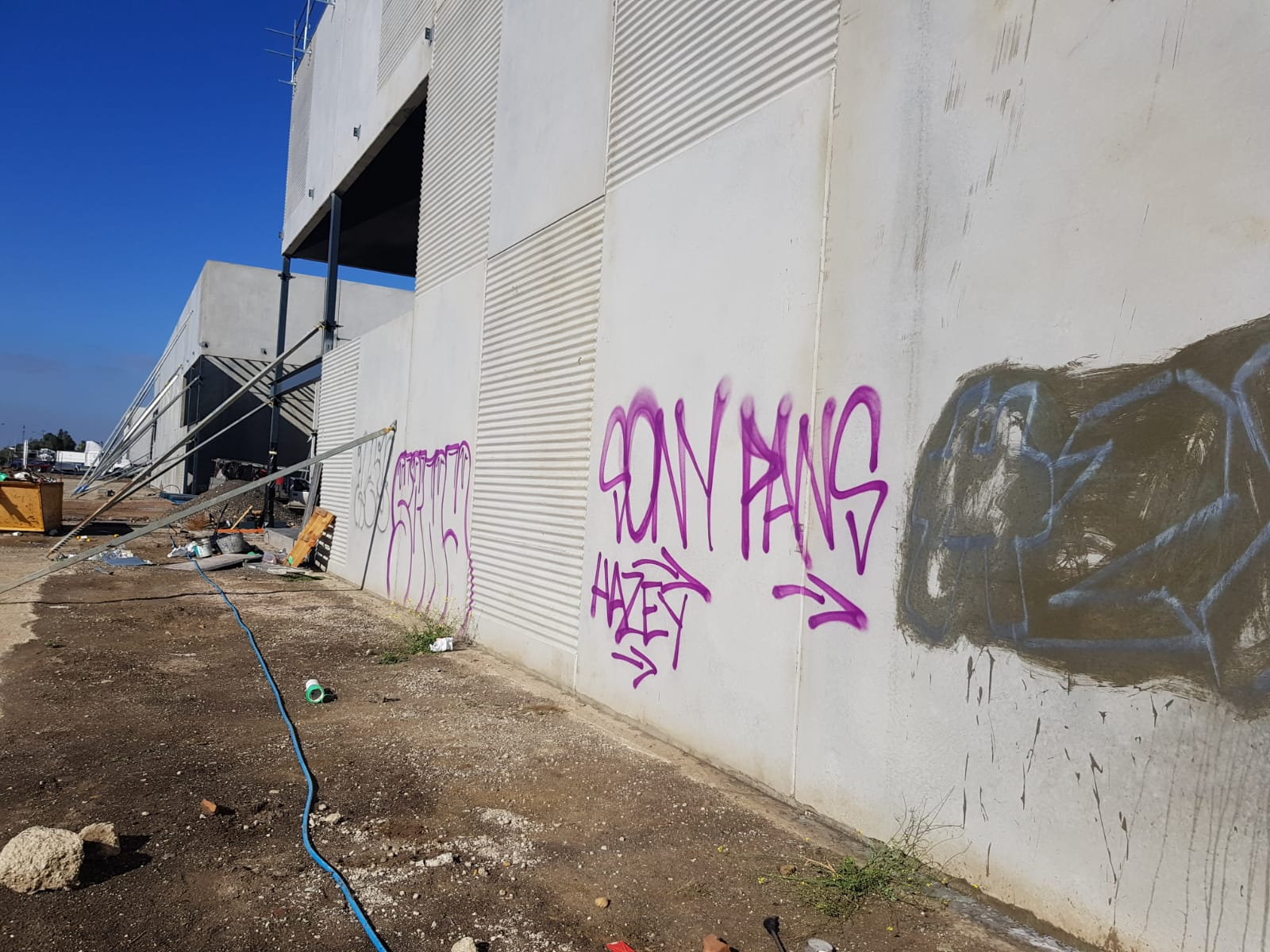 Graffiti removal warehouse Altona