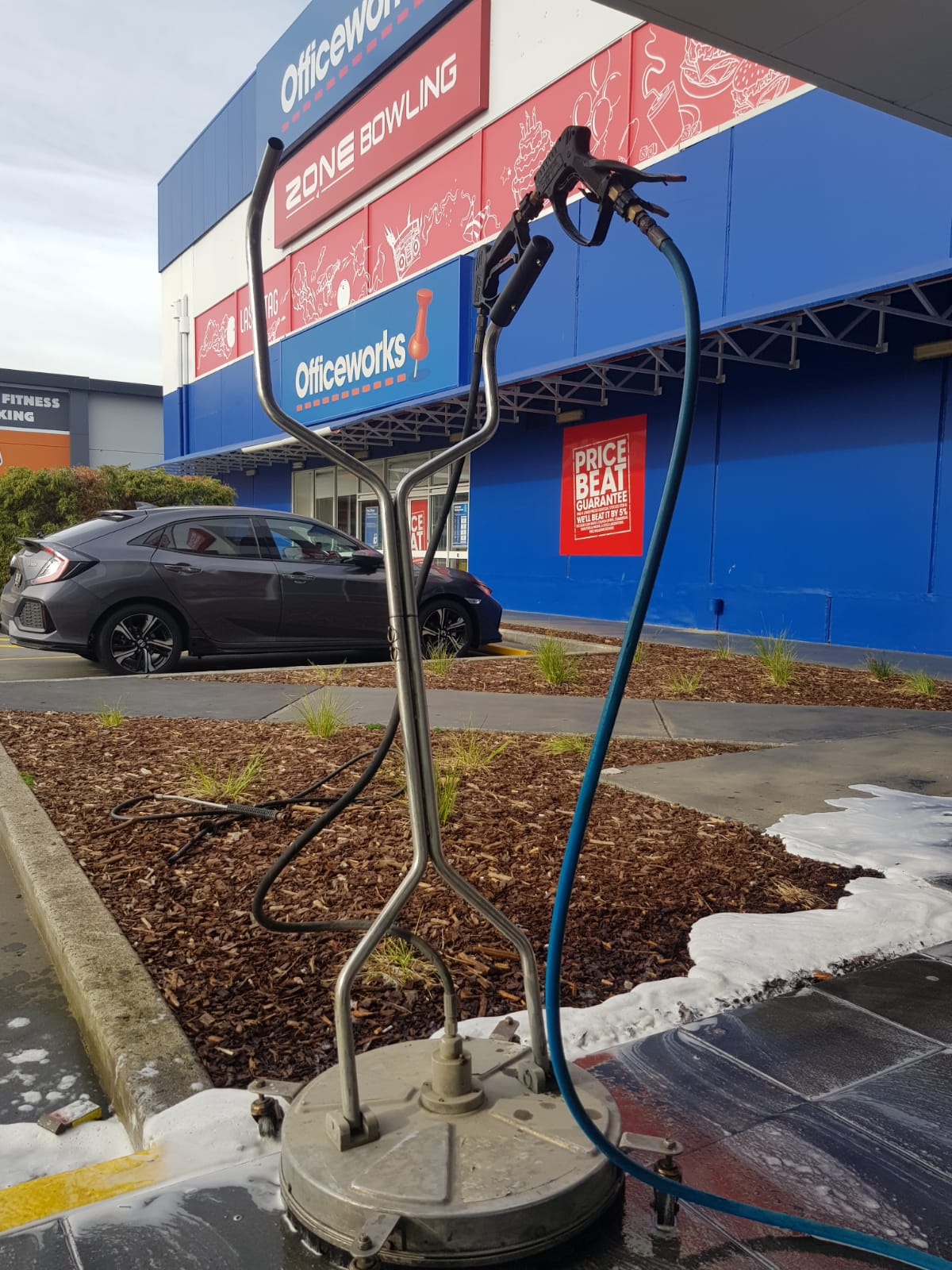 Officeworks pressure wash cleaning Maribyrnong