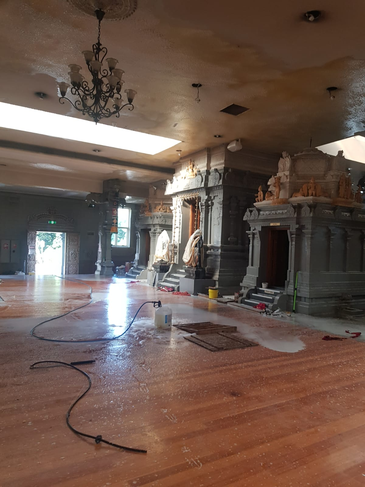 Pressure cleaning Indian Temple Carrum Downs