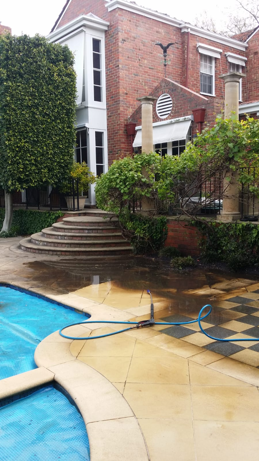Private house pressure wash cleaning Toorak