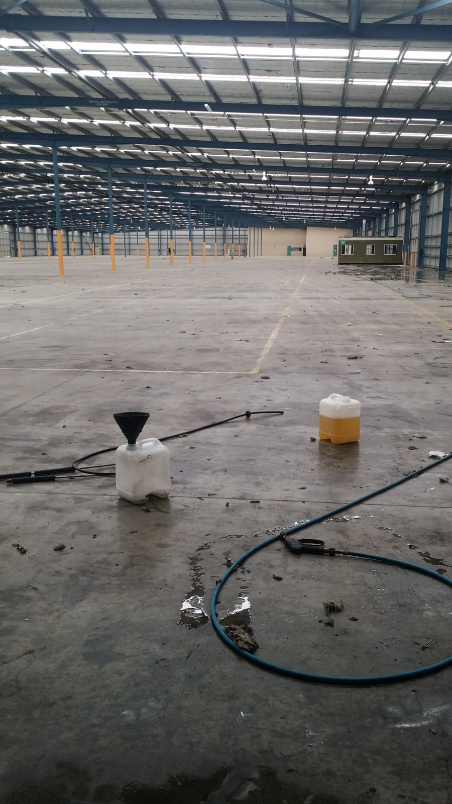 Warehouse pressure wash cleaning Laverton